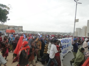 Source: Somalia Today - Demonstrators in Muqdishu (11 July 2013)